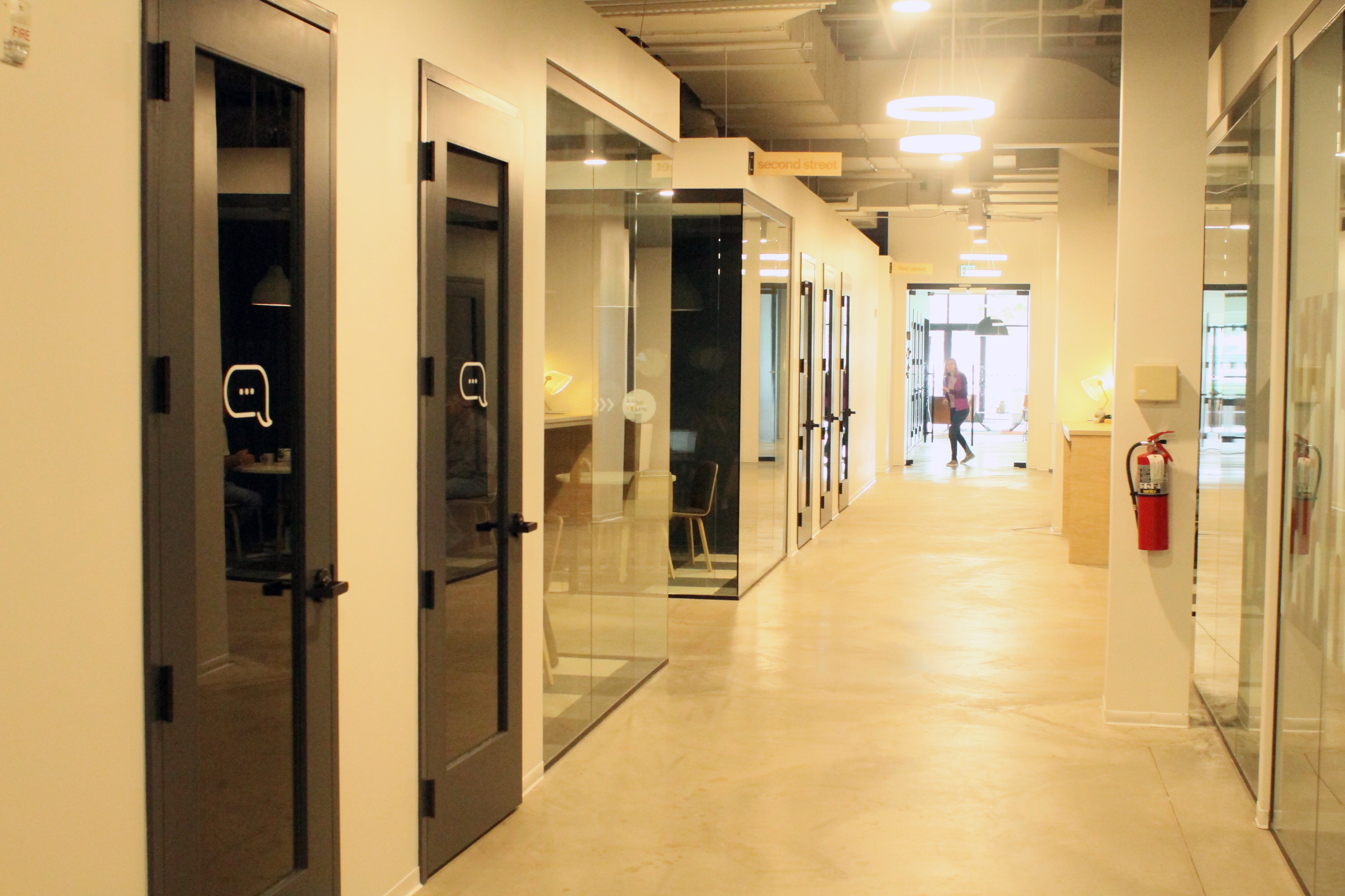 short-pump-conference-rooms-and-phone-booths